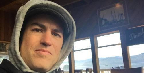 Un ressortissant canadien soupçonné du meurtre d'une guérisseuse renommée, a été lynché à mort par les locaux dans la forêt amazonienne soupconne du meurtre dune guerisseuse renommee il est lynche a mort par la population dans la foret amazonienne