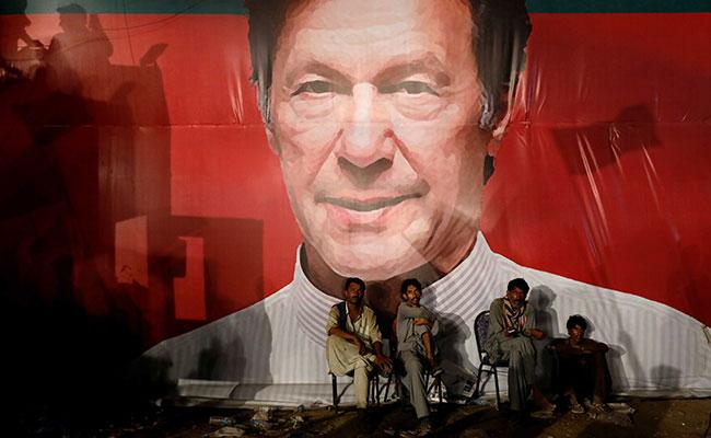 Imran-Khan-election-pakistan-newstrotteur